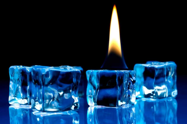flame-ice-cubes-dreamstime m 7529210-640x425
