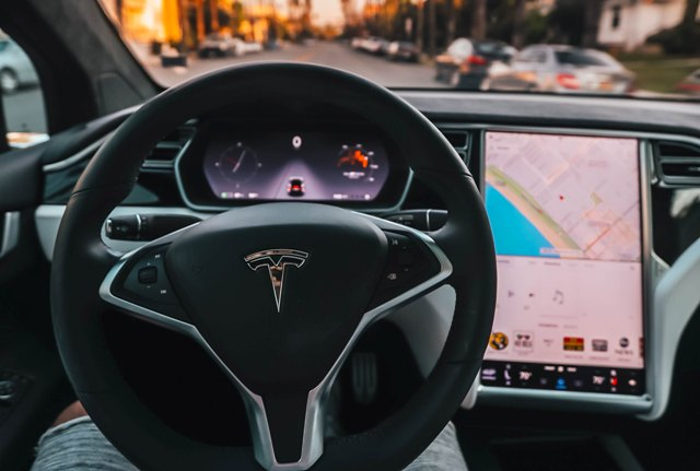 tesla interior roberto nickson g 237027 unsplash 640x431